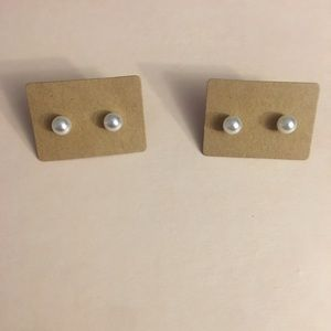 pearl studs with different sizes